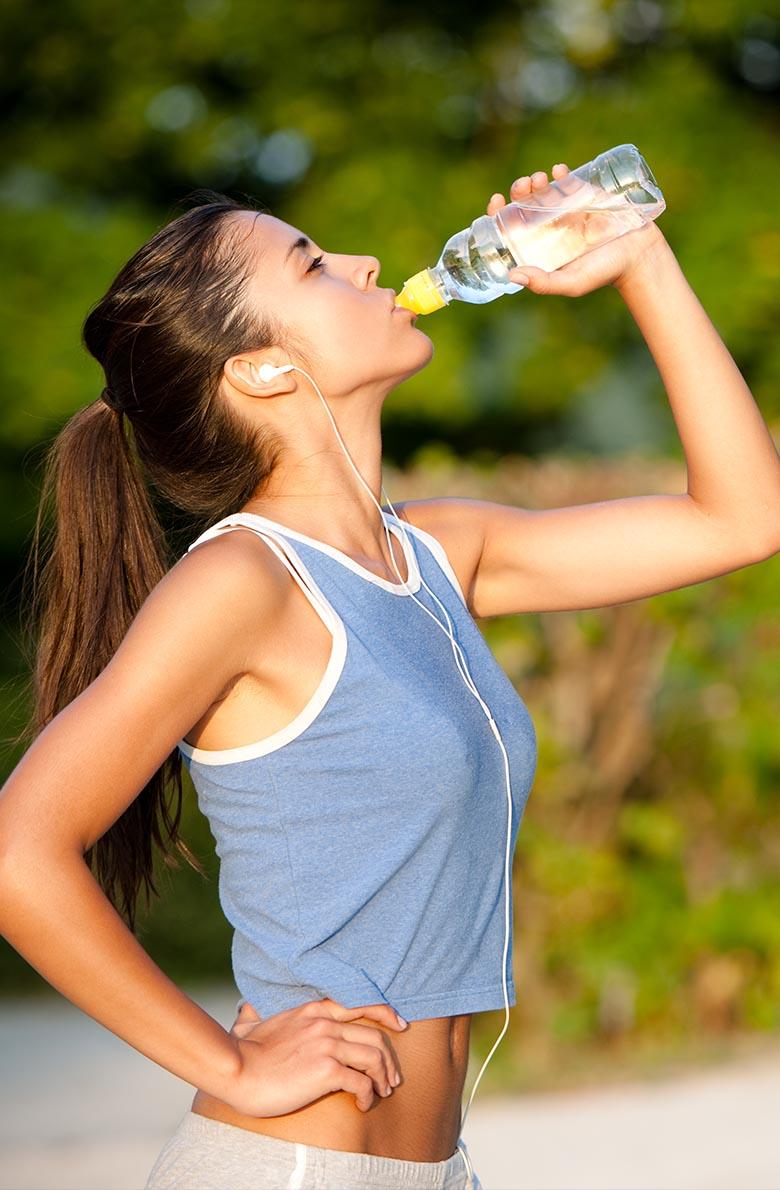 Как правильно пить воду: полезные советы
