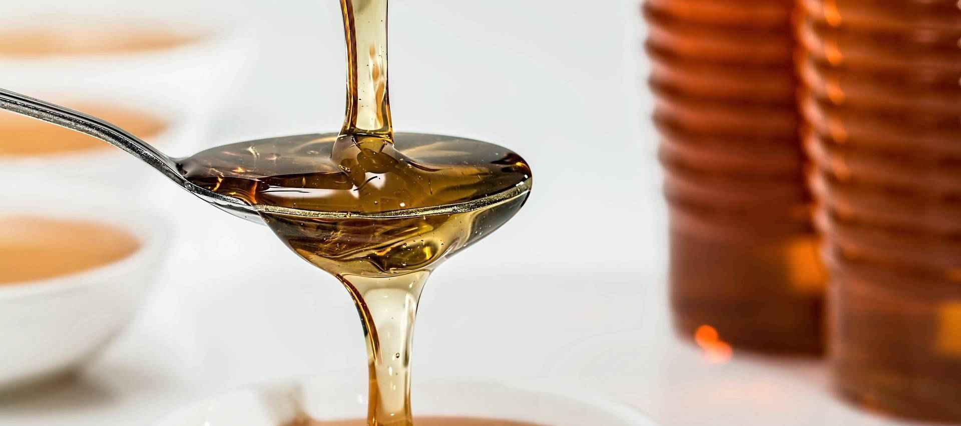 О вреде меда: почему его нельзя есть много?