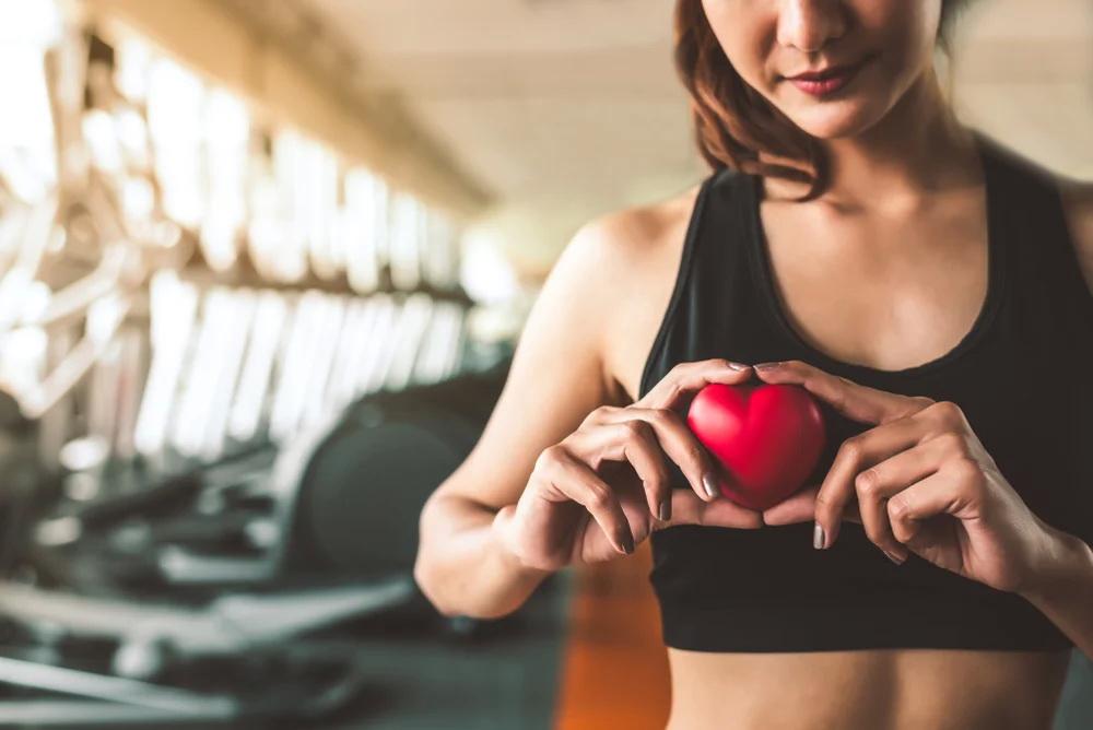 Ученые рассказали о связи спорта и работы сердца
