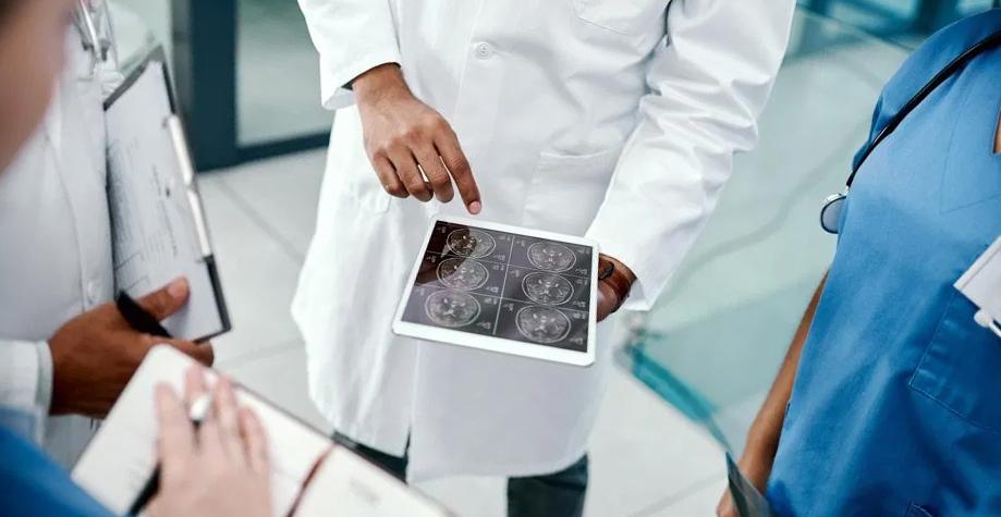 Назван первый симптом рассеянного склероза