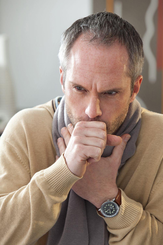 Как распознать желудочный кашель