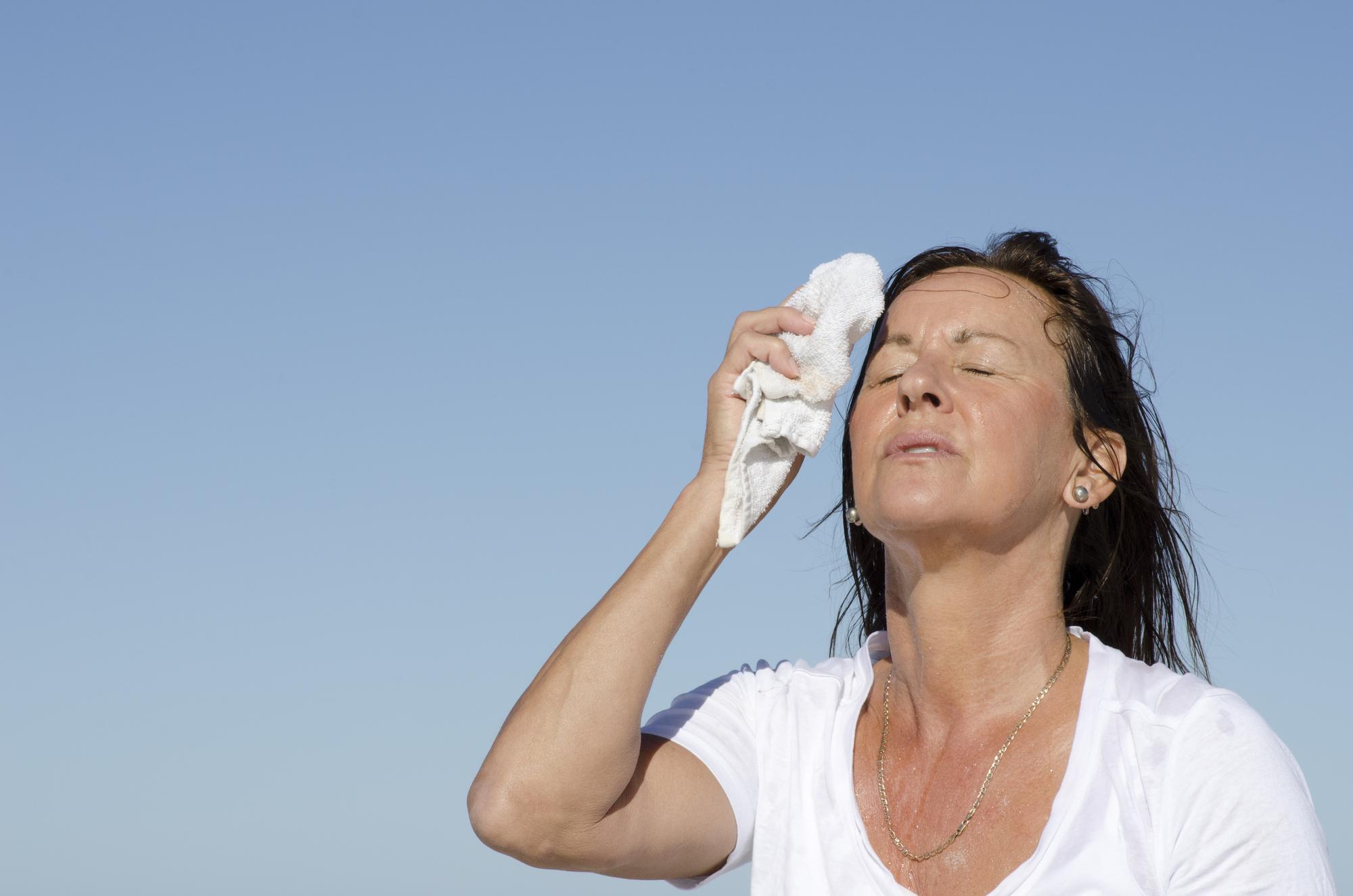 Почему гипертоникам следует опасаться жары?