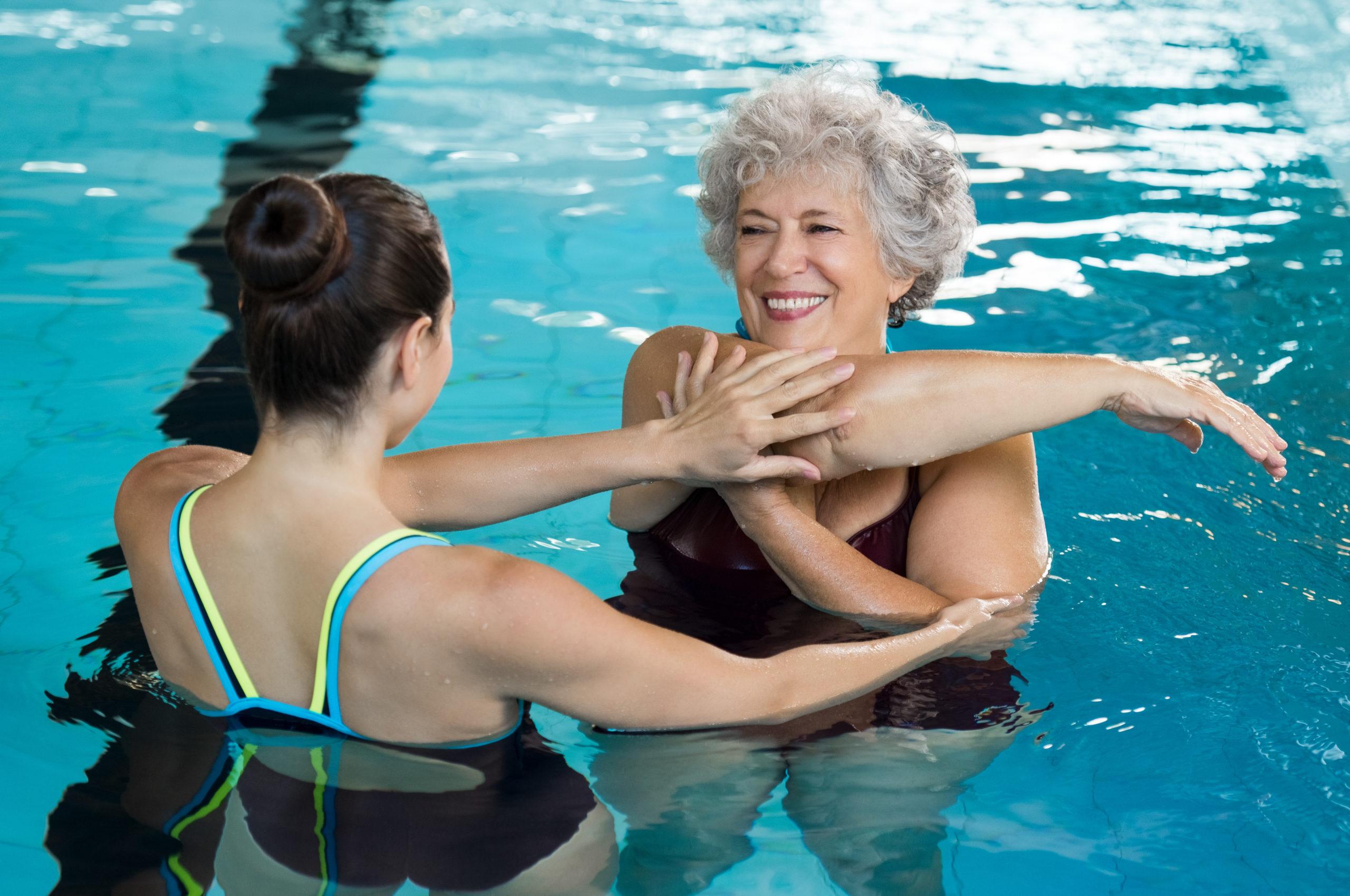Можно ли плавать при болях в спине