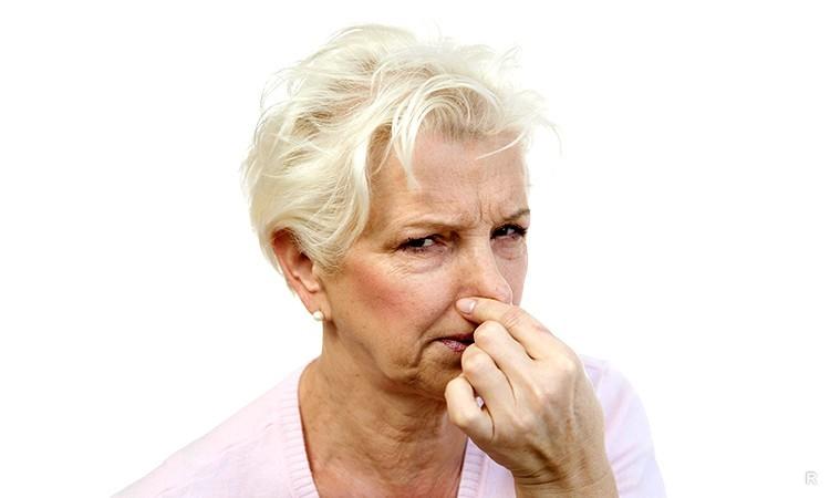 Откуда появляется запах старости