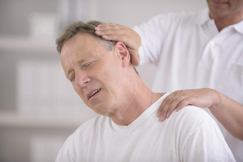 Врачи рассказали, из-за чего может болеть шея