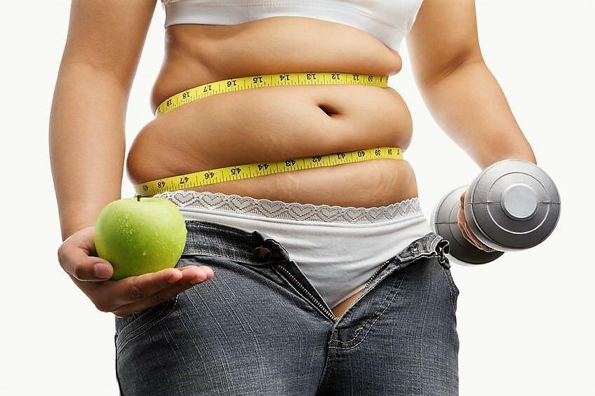 Диетолог рассказала, как убрать жир на животе
